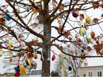 Raguvos Velykų medis